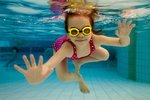 Jak bezpiecznie dzielić się zdjęciami dzieci w social media?