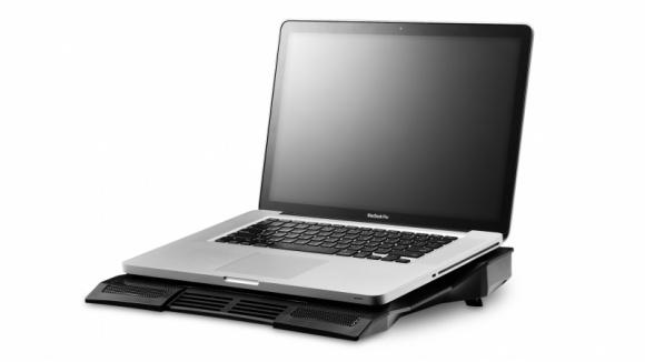 Dla nas lody dla ochłody, a dla laptopów? LIFESTYLE, IT i technologie - Nadeszło lato. A wraz z nim wysokie temperatury. Każdy amator mobilnych urządzeń zdaje sobie sprawę z tego, że ich urządzenia jeszcze bardziej są teraz narażone na przegrzewanie się.