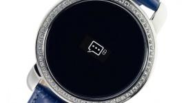 MyKronoz ZeCircle: smartwatch z cyrkoniami od Swarovskiego LIFESTYLE, IT i technologie - Obecnie dostrzec można trend w którym coraz większą uwagę zwraca się na ich niepowtarzalny wygląd. O krok dalej poszła firma MyKronoz, która zaprezentowała elegancką wersję ZeCircle z cyrkoniami od Swarovskiego.
