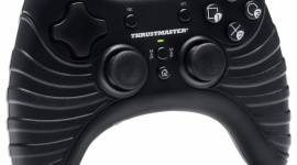 Zestaw dla par konsolowo-pecetowych LIFESTYLE, IT i technologie - Ludzie dzielą się na dwie grupy – miłośników padów do X-Boxa oraz PlayStation. Tej drugiej grupie postanowił dogodzić Thrustmaster, oferując zestaw padów o układzie PlayStation®3 o eleganckim, minimalistycznym wyglądzie.