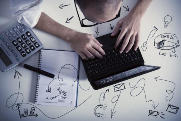 Porównywarka cenowa: pierwszy wybór polskiego e-klienta LIFESTYLE, IT i technologie - Z badań wynika, że z wyszukiwarek cenowych korzysta ok. 80% kupujących online. Nie tylko ze względu na pieniądze, ale także czas i nerwy. Jednak nawet 66% internautów co roku zmienia e-sklep z powodu słabej obsługi. Jak zatem wygrać w pojedynku cenowym?