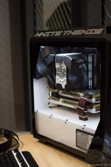 Nowa obudowa od Cooler Mastera już z pierwszymi modami LIFESTYLE, IT i technologie - Każdy modder, gdy tylko dostanie w swoje ręce nowy sprzęt, natychmiast przystępuje do twórczej pracy. MasterCase Pro 3, choć dostępna na rynku dopiero od niedawna, już doczekała się pierwszej artystycznej interpretacji.